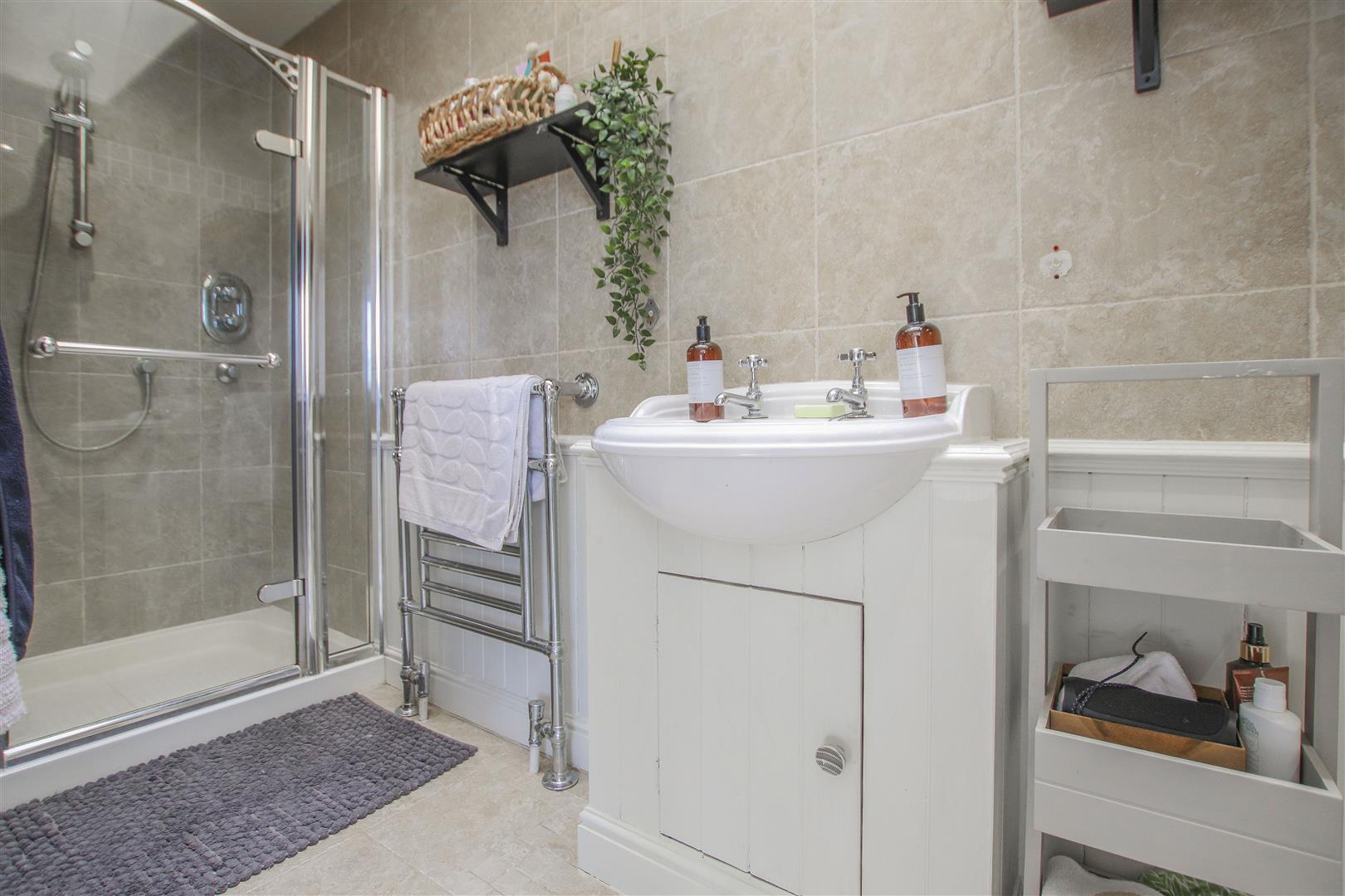 6 Bedroom Barn Conversion For Sale - 15.JPG